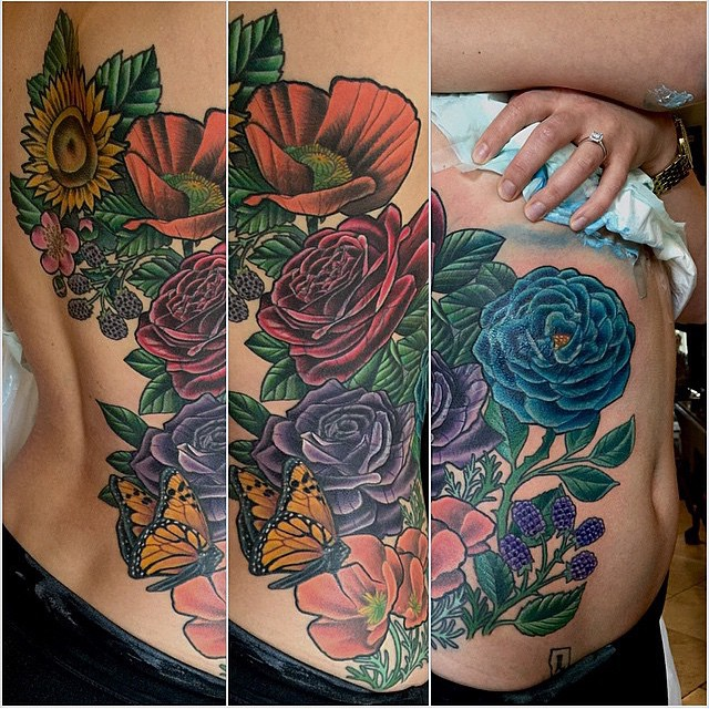 Flowers started by @sarahink and finished by @terryribera at #RemingtonTattoo #flowertattoo #prettytattoo #SanDiegoTattoo