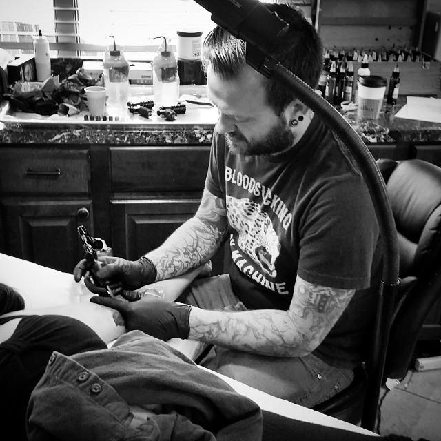 @bradburkhart doing what he does best at remington tattoo! #tattoo #tattoos #remington #remingtontottoo #bradburkhart #bradburkharttattoos #northpark #30thst #sandiegotattoo #sandiegoartist #sandiego