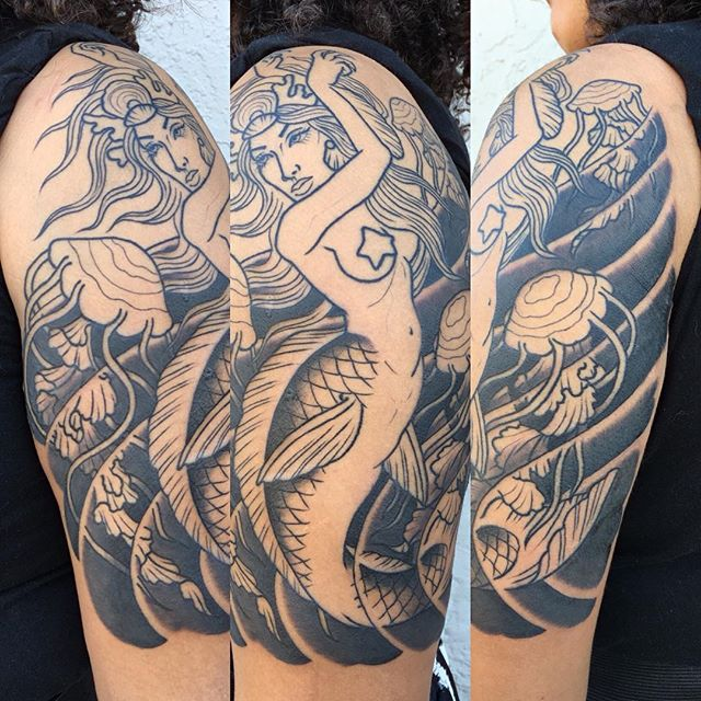 Mermaid halfsleeve in progress by @theblacktroll #sandiego #sandiegotattooshop #mermaid #remingtontattoo #wip