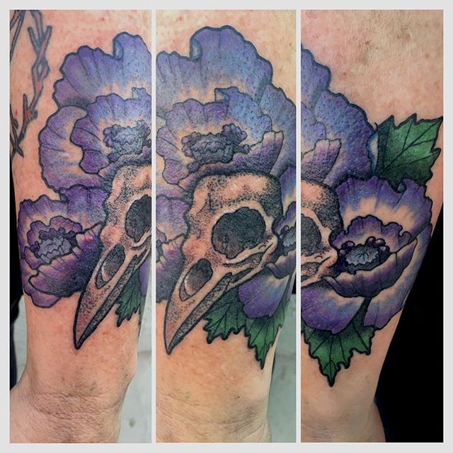 Bird skull and flowers by Jasmine Worth @jasmineworth done in 2.5 hrs. Please email JasmineWorthTattoos@gmail.com to set up an appointment. Discounted rates during apprenticeship. #birdskull #birdskulltattoo #flowertattoo #darkart #darkartists