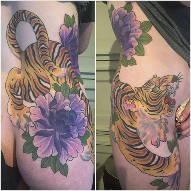 #@alessioricci#remingtontattoo #tattooart#japanesetattoo #tiger#peonies #ribs#coverup#northpark #sandiego ##sandiegotattoo #sandiegoartist