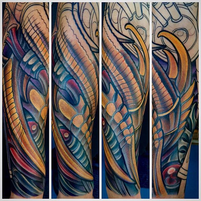 #terryribera #remingtontattoo @terryribera @remingtontattoo #sandiego #biomechanical @biomech_collective #biomech_collective @stigmarotary